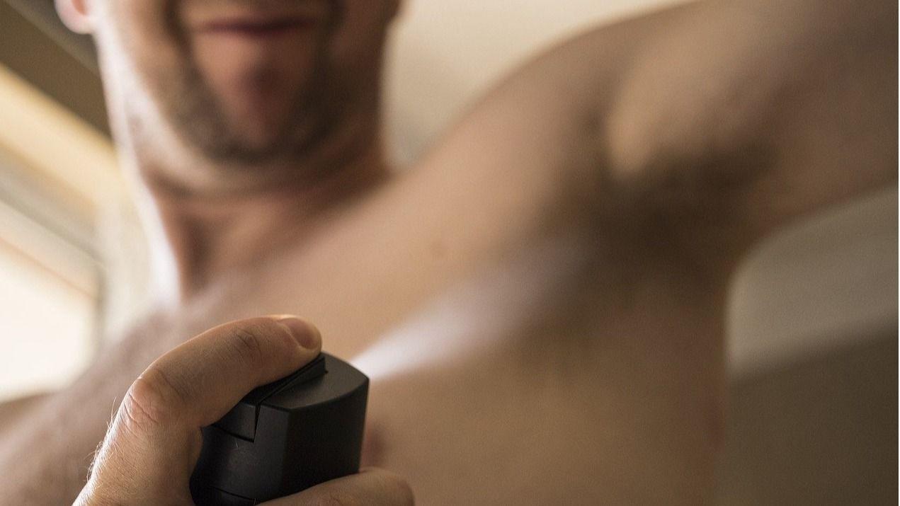 Crea linea cosmética masculina